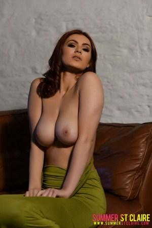Modelka prezentuje cycuszki